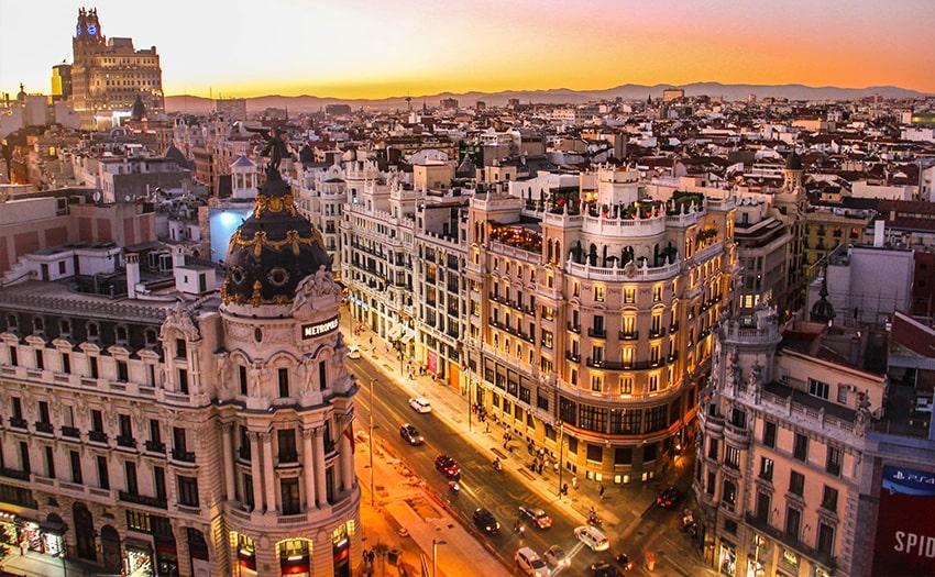 ۲۰ هزار گردشگر ایرانی هر سال به اسپانیا می روند